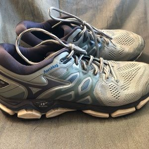 Mizuno Wave Horizon 3 men's size 12 running shoes